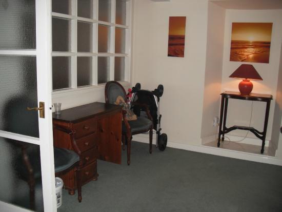 St. Magloire Guest House: Lounge