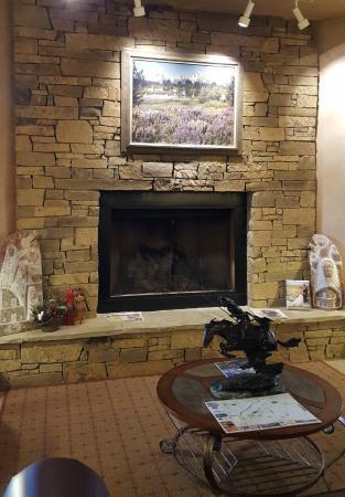 Alpine, WY: Hotel lobby