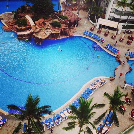 El Cid El Moro Beach Hotel: Vista de la alberca desde la suite