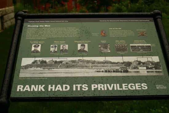 Peddock's Island : Plaque describing building