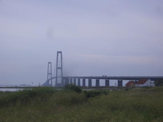 Isbaadsmuseet: Isbåd Museet with Storebælt bridge beyond