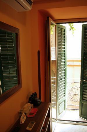Palazzo Ajala B&B: Camere con balconi privati, urban green