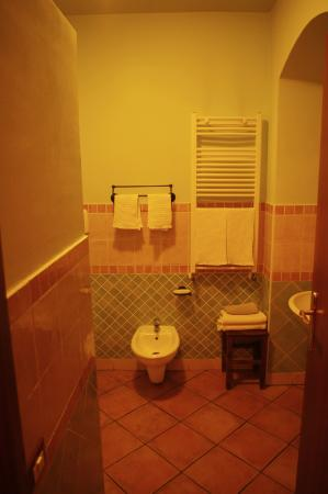 Palazzo Ajala B&B: Bagno camera doppia