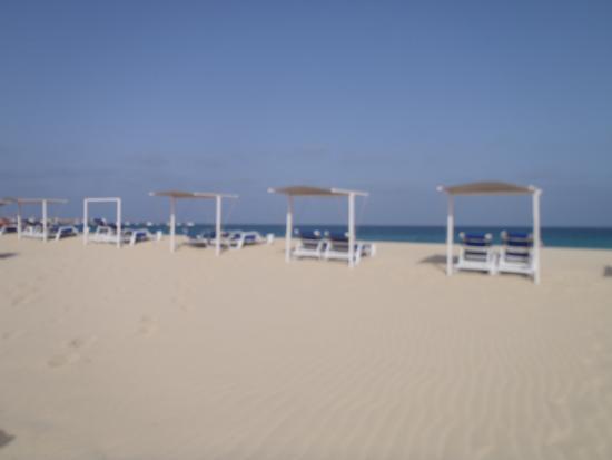 Hotel Dunas de Sal: Strandliegen