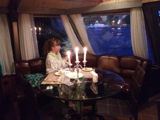 Astra Marine Boat Tours: VIP-столик