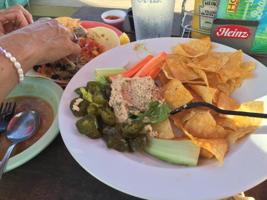 Hook'd Pier Bar & Grill: Smoked tuna dip