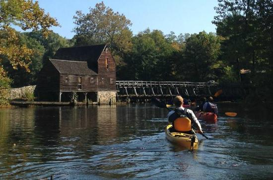 Croton on Hudson, Estado de Nueva York: Paddling on the Pocantico River