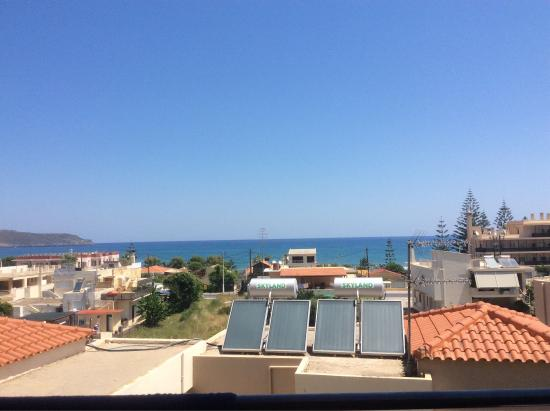 View from balcony and the beach 5 mins away orion star pool