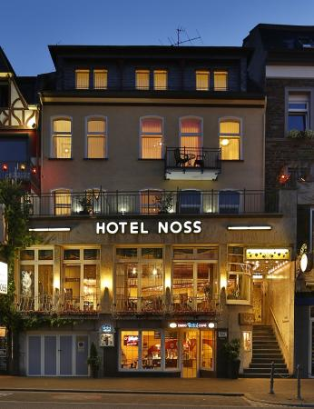 Hotel Noss: Front