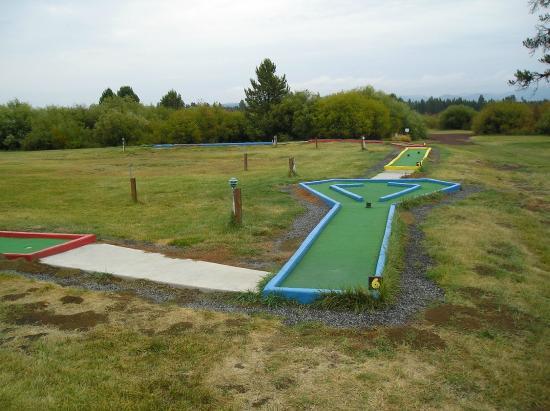 Bend-Sunriver RV Campground: Mini Golf
