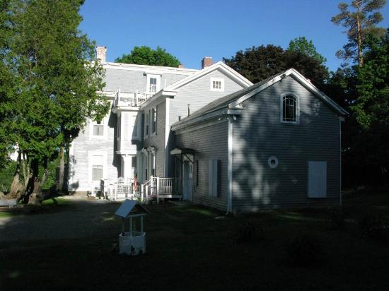 East Machias, Μέιν: Talbot House Inn from parking area
