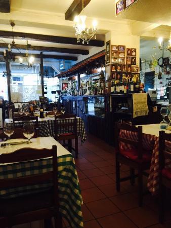 Jacó: Милое, приятное место. Тихо и уютно. Но лично мне не нравится португальская кухня. На любителя.