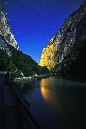 Provincia di Pesaro e Urbino, Italia: Vista di Notte alla Gola del Furlo