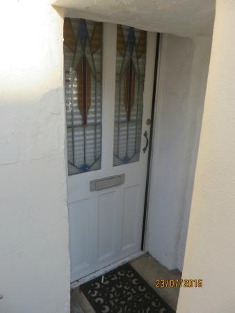 299 London Road : Private Front Door