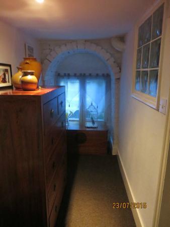 299 London Road : Downstairs Hallway