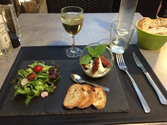 D Cor Int Rieur Entr E Mousse De Fromage Aux Tomates Confites Et Olives Tartare De Thon Caf