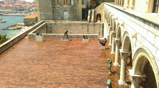 Museum of Modern Art: sculptures on terrace
