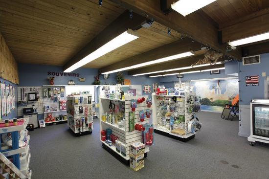 Space Coast RV Resort: Store