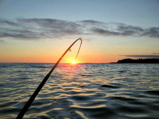 Zeballos, Canadá: Sunset with fishing rod