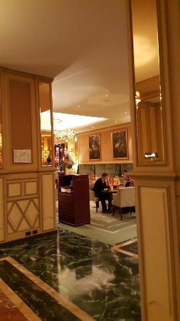 Hotel Principe Di Savoia: Eleganza raffinata a Milano