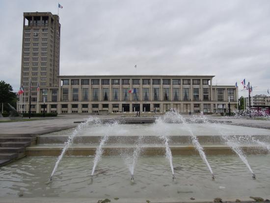 park fountains picture of jardins de l 39 hotel de ville. Black Bedroom Furniture Sets. Home Design Ideas