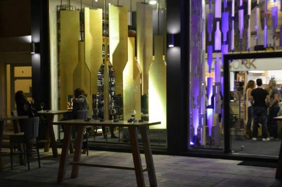 Uncork Wine Shop & Wine Bar