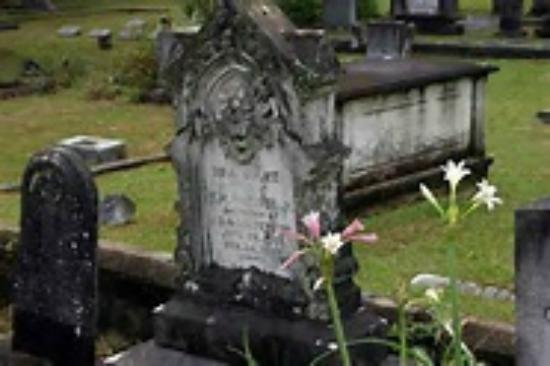 Guided Tours in Florida's Capital and The Forgotten Coast: Old City Cemetery, on the Downtown Tallahassee Driving Tours