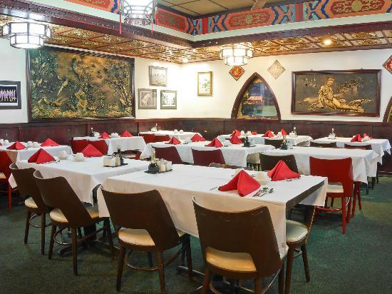 Golden Wok II: Dining Room B
