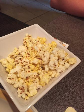 Ninety Nine Restaurant: Popcorn as a welcome snack 
