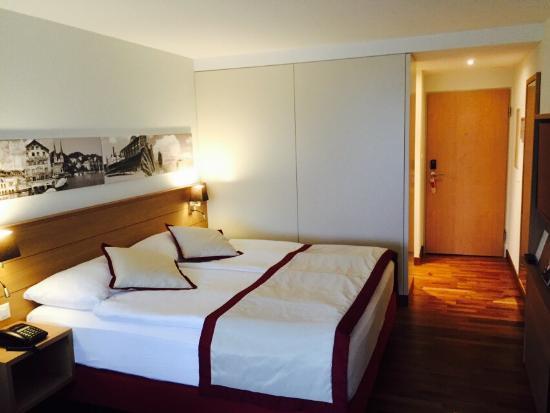 War Fur Eine Nacht Im Hotel Schone Zimmer Cooles Bad