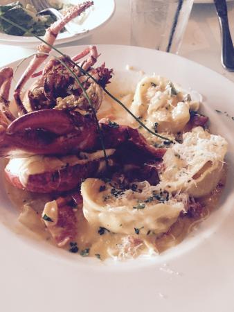 Mama Mia Italian Ristorante: Shrimp and Seafood Tortellini