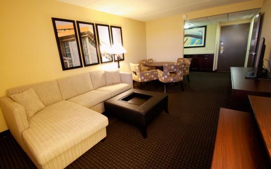 ramada plaza green bay wi review hotel perbandingan. Black Bedroom Furniture Sets. Home Design Ideas