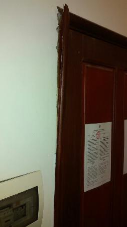 Sinnakhone Hotel: A total dump