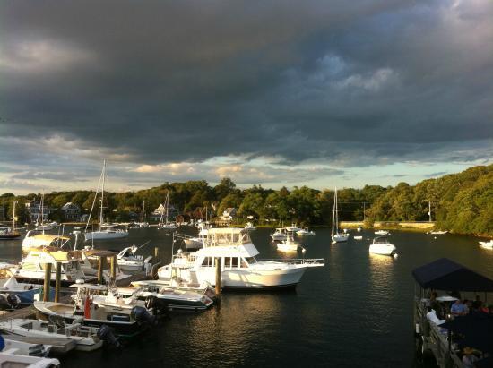 Captain Kidd Restaurant : Eel Pond Harbor with clouds