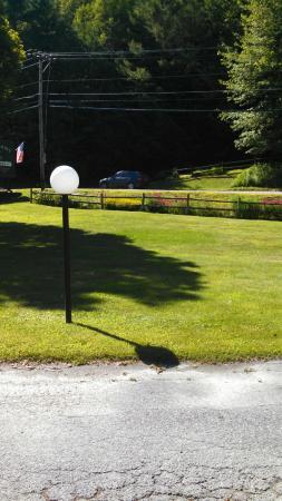 Town & Country Resort Motor Inn: Grounds
