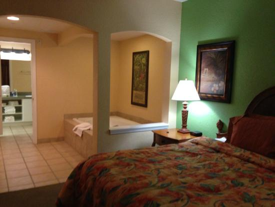 Bedroom Jacuzzi Picture Of Vacation Village At Parkway Kissimmee Tripadvisor