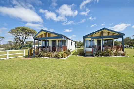 Acclaim Rose Gardens Beachside Holiday Park: Spa Villas