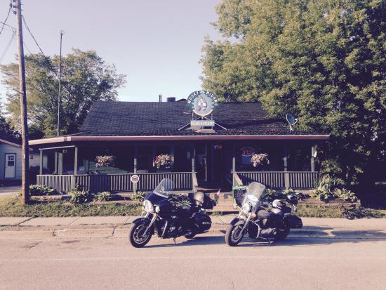Spirit of Manitoulin Restaurant: Front row parking