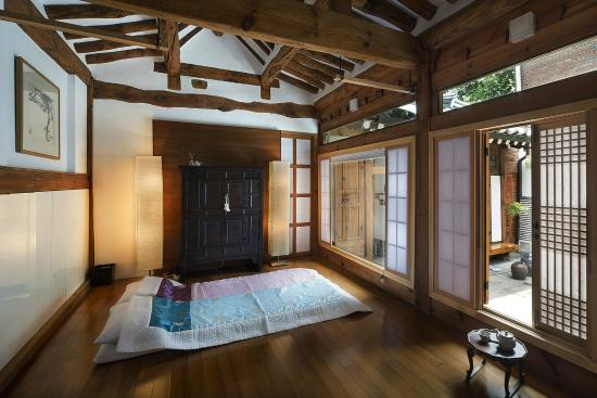Traditional Korean Style Room Picture Of Xiwoo Hanok Guesthouse Seoul Tripadvisor