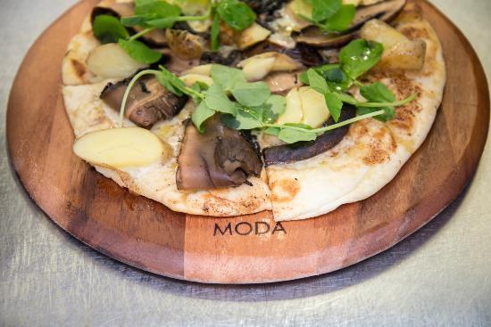 The Colonist Hotel: Colonist Porcini Mushroom Pizza