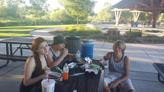 Spring Canyon Community Park: Picnic in the park...
