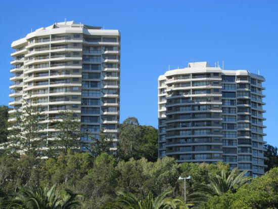 The South Tower On The Right Picture Of Gemini Court Holiday Apartments Burleigh Heads Tripadvisor