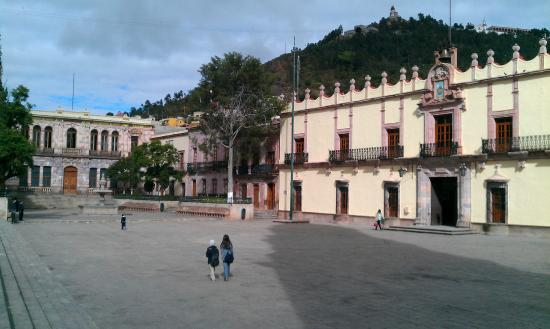 Plaza de Armas : in zacatecas