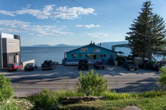 Islander Inn: Eating at The Raven is must !