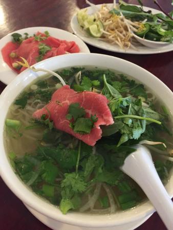 Pho Ga Quang Minh