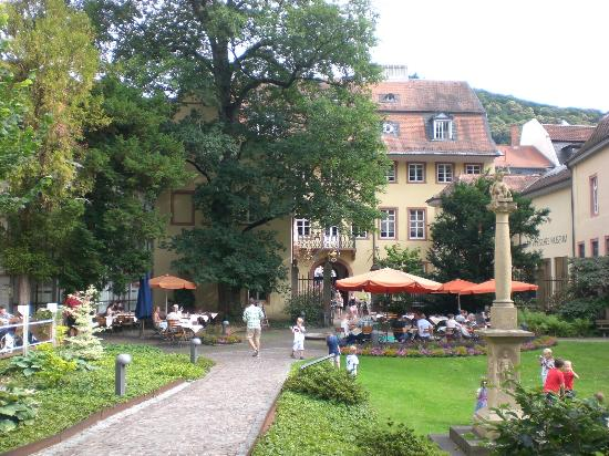 Museum of the Palatinate (Kurpfalzisches Museum) and restaurant