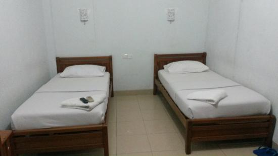 Natuna Hotel: Deluxe Twin Bed Room