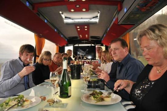 Au-dela de chez soi - Bus en Vignes : Accord mets & Champagne au pied ...