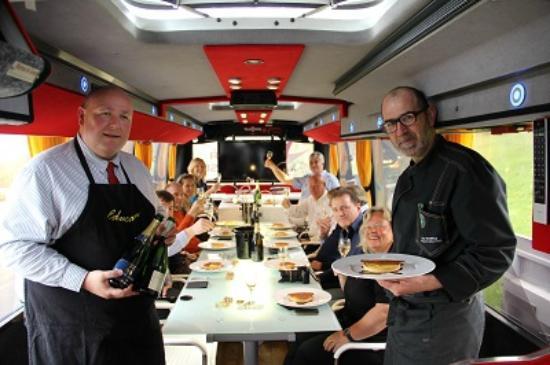 Au-dela de chez soi - Bus en Vignes : Tasting et cuisine au pied des ...