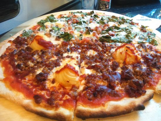 Corsaro La Devesa: Pizza Fiorentina y Cancún (muy recomendables)